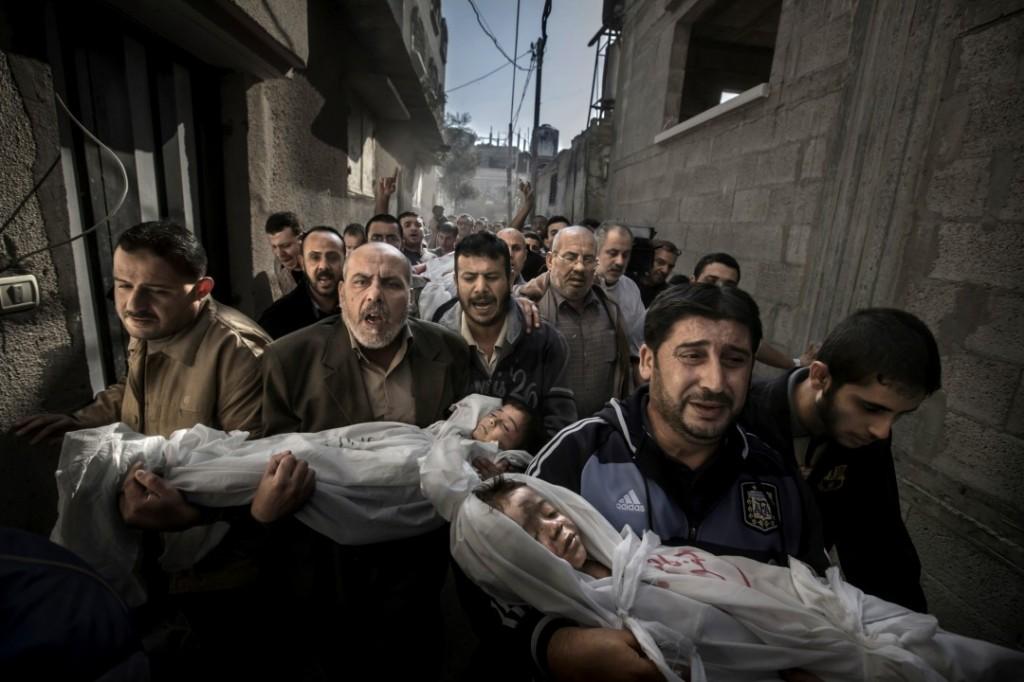 2012 funeral procession in Palestine. (World Press Photo)