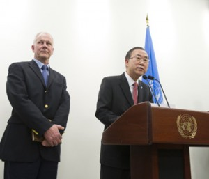Swedish scientist Ake Sellstrom, chief of the United Nations mission to inspect chemical weapons use in Syria, stands next to UN Secretary General Ban Ki-Moon chemical weapons investiaSecretary-General speaks to correspondents before his meeting with Ǻke Sellström