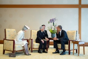 President Barack Obama talks with Emperor Akihito and Empress Michiko during a state call at the Imperial Palace in Tokyo, Japan, April 24, 2014. (Official White House Photo by Pete Souza)