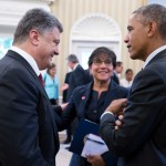 President Barack Obama talks with President Petro Poroshenko of Ukraine and Commerce Secretary Penny Pritzker following a bilateral meeting in the Oval Office, Sept. 18, 2014. (Offic
