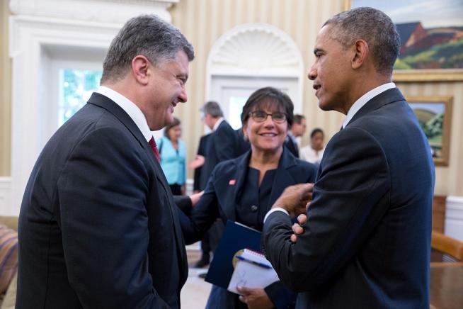 https://consortiumnews.com/wp-content/uploads/2014/09/obama-petro.jpg?55ac53
