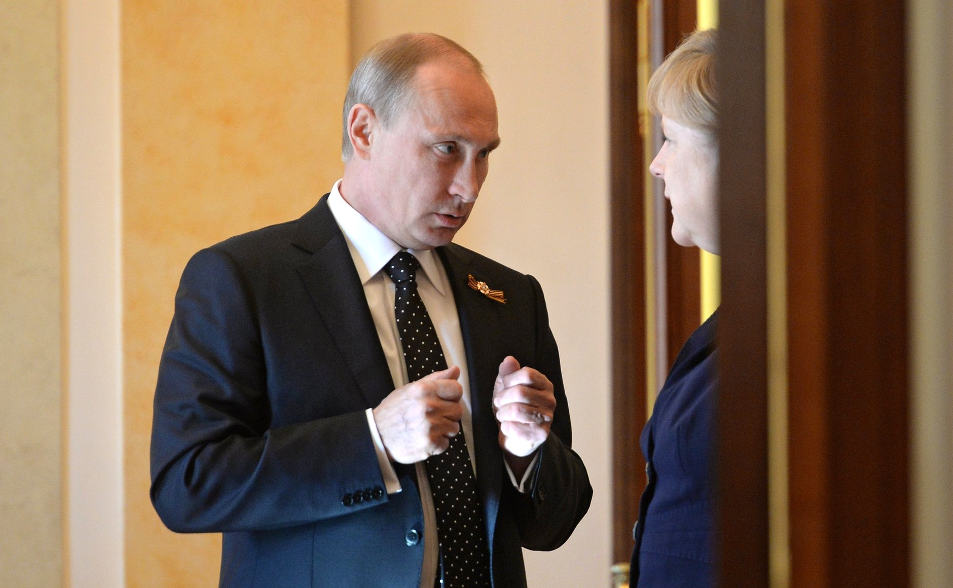 Russian President Vladimir Putin with German Chancellor Angela Merkel on May 10, 2015, at the Kremlin. (Photo from Russian government)