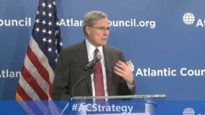 Former National Security Advisor Stephen Hadley speaking before the Atlantic Council.