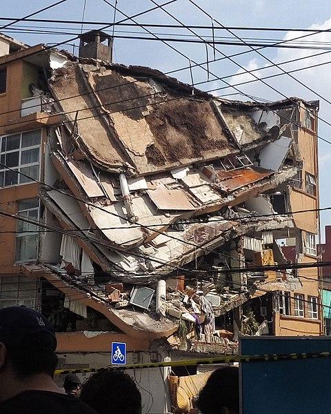 https://consortiumnews.com/wp-content/uploads/2017/09/480px-Ciudad-de-M%C3%A9xico-Terremoto-Puebla-2017-3-cropped.jpg