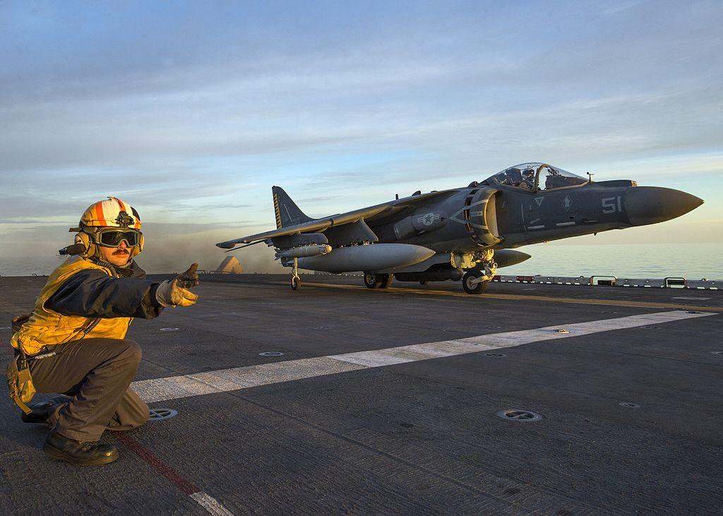 U.S. Marine Corps AV-8B Harrier takes off from the USS Wasp during air strikes against Daesh targets in Sirte, Libya. (Wikimedia)