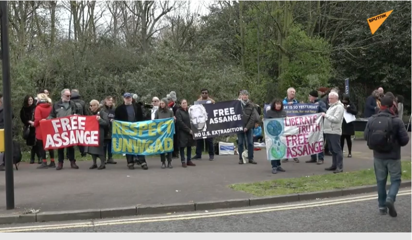 Assange supporters outside Belmarsh Prison. (Youtube)