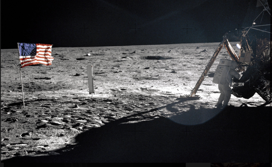 THE ANGRY ARAB: The Moon Landing & the Cold War – Consortiumnews