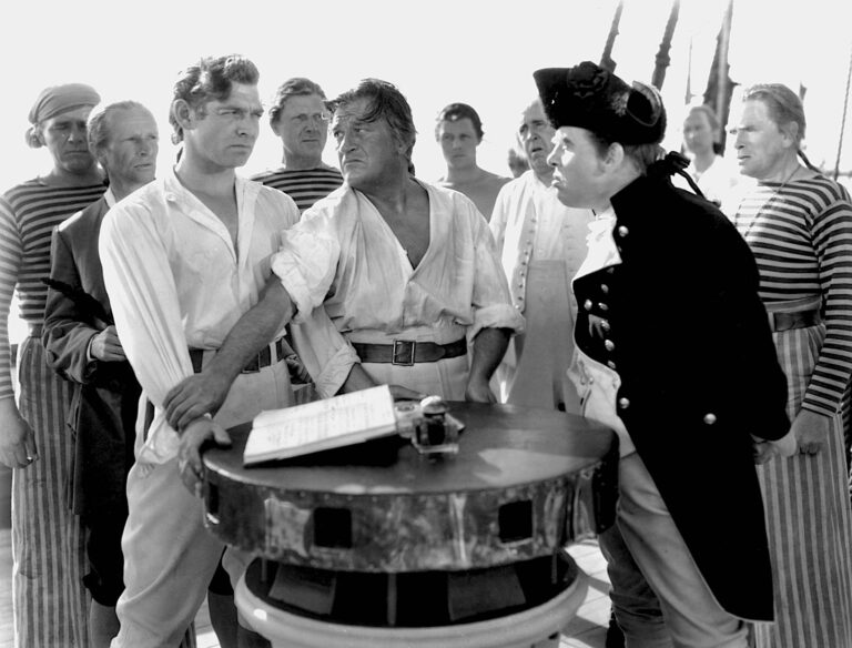 Clark Gable (l.) with Charles Laughton (r.) in Mutiny on the Bounty, 1935