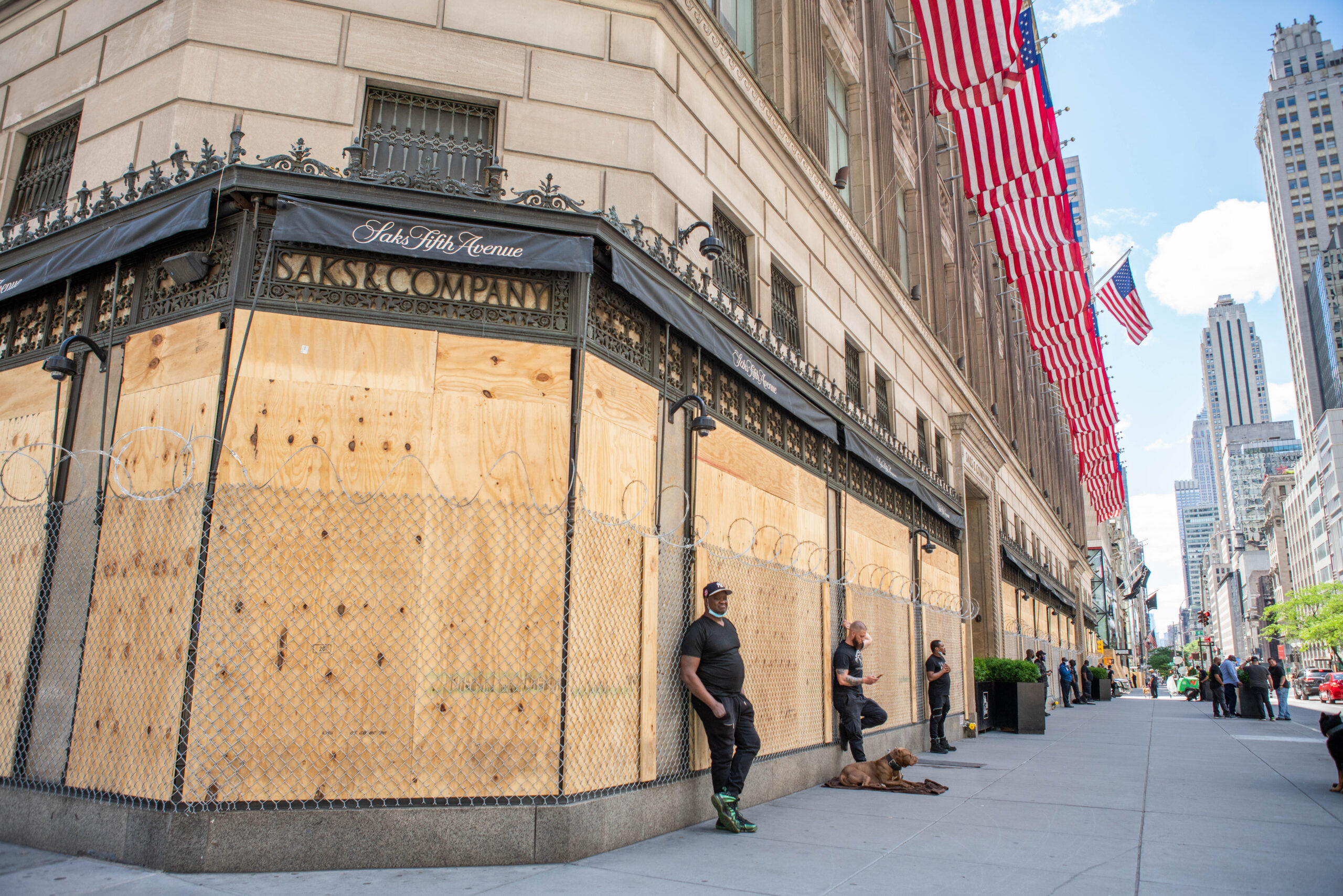Retailer Saks Fifth Avenue added private security, fencing and barbed wire ahead of a Black Lives Matter protest, June 7. 2020. (Anthony Quintano, CC BY 2.0, Wikimedia Commons)