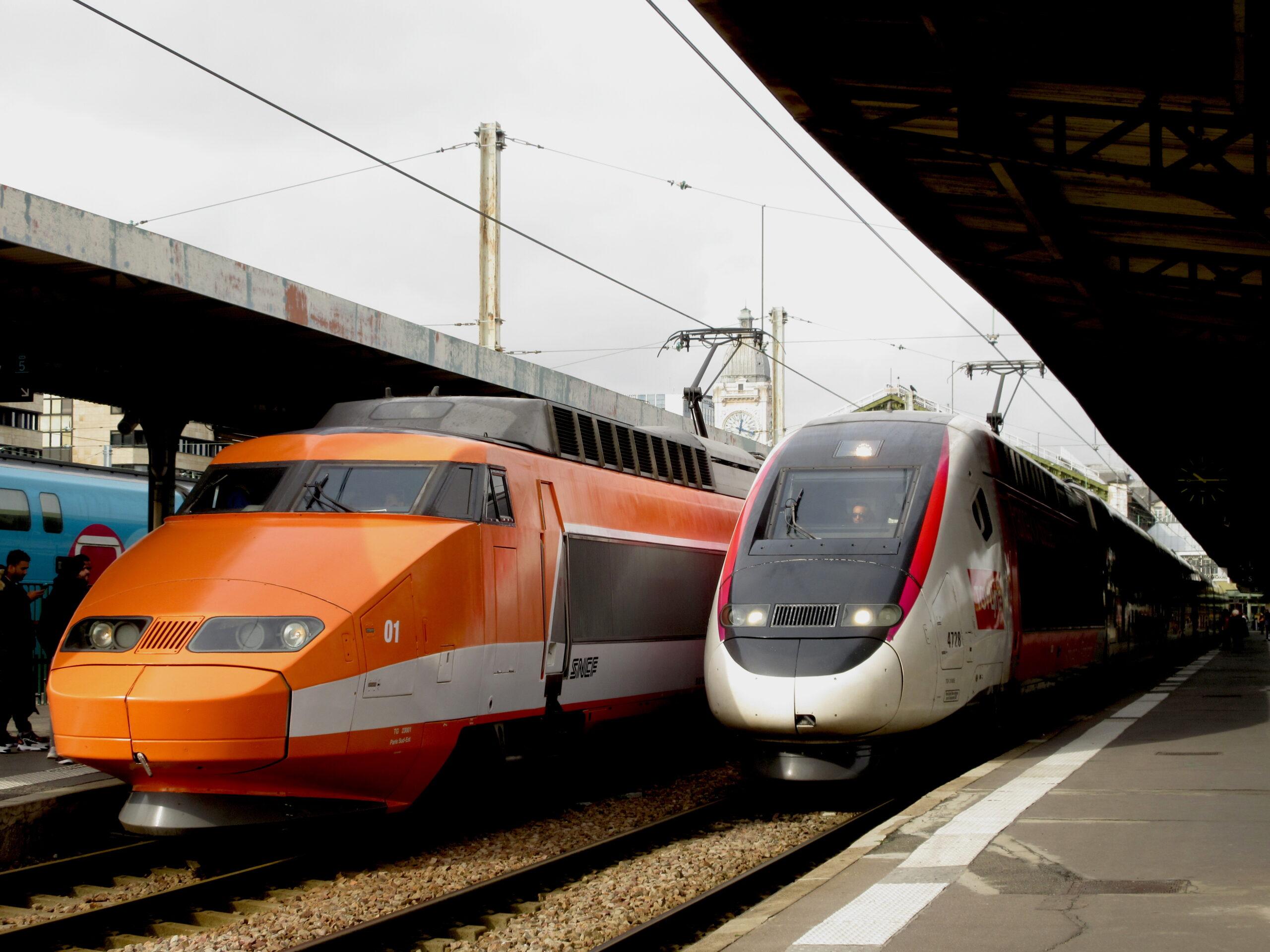 TGV 2N2 Lyria train at Paris' Gare de Lyon station. (CC BY-SA 4.0, Wikimedia Commons)